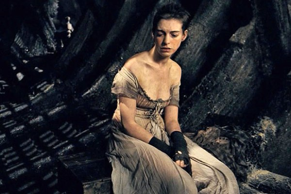 Anne-Hathaway-in-Les-Miserables-2012-Movie-Image1